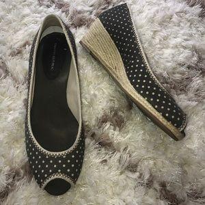 BANANA REPUBLIC Peep Toe Wedges! Size 7!